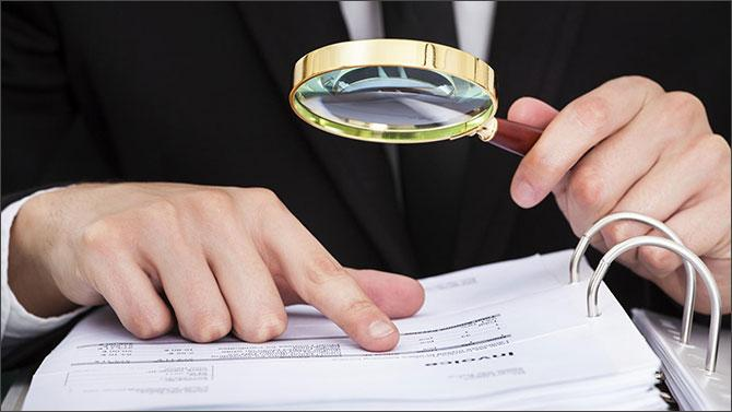 Займ на карту по паспорту: как МФО проверяют заемщиков?